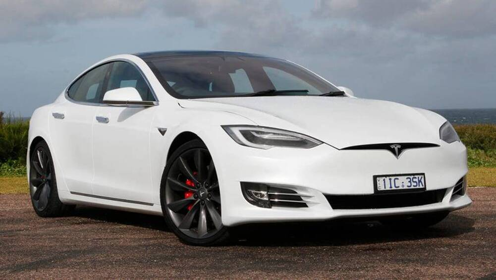 New Tesla Model S 2020 Pricing And Specs Detailed Flagship Electric Car Now More Expensive Car News Carsguide
