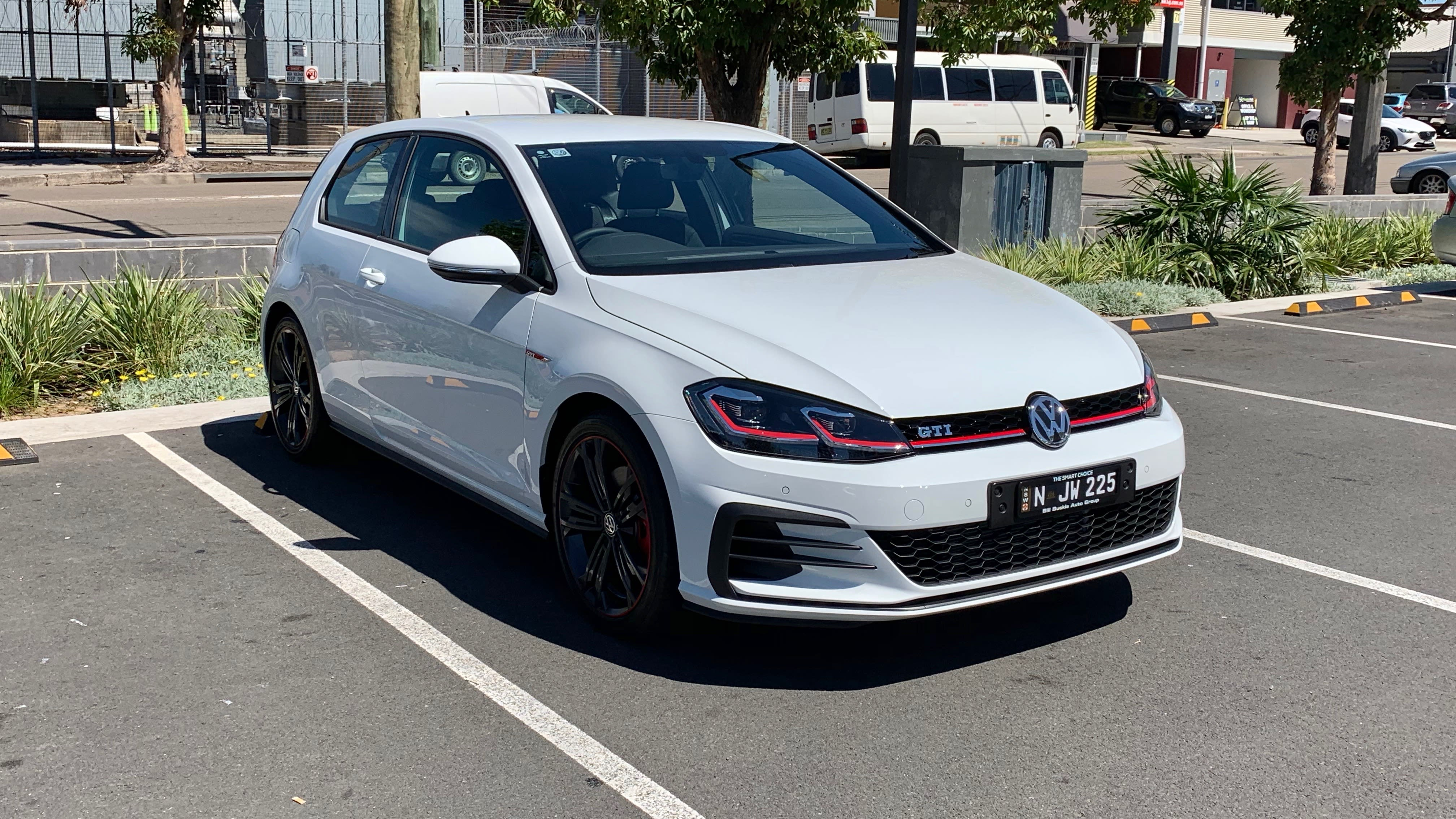 The Manual Golf Gti Is Now Extinct So I Bought One Of The Last Of Its Kind Carsguide Oversteer