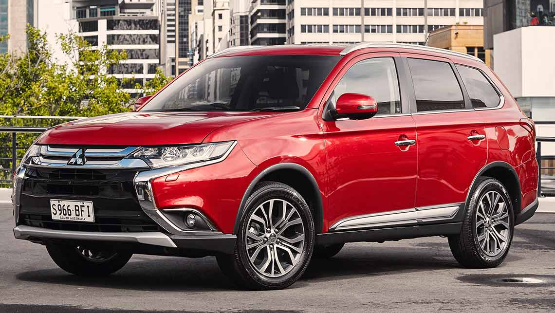 Mitsubishi Outlander 2015 review | CarsGuide