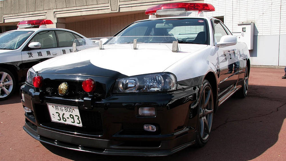 Five Japanese police cars that'll make you want to be a ...