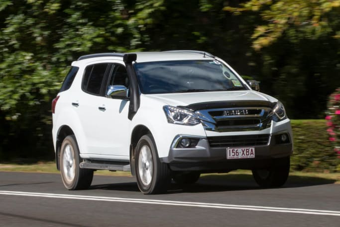 Isuzu MU-X 2017 review | CarsGuide