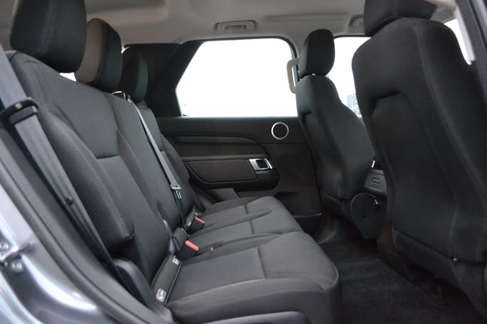 Land Rover Discovery 2018 review: S | CarsGuide