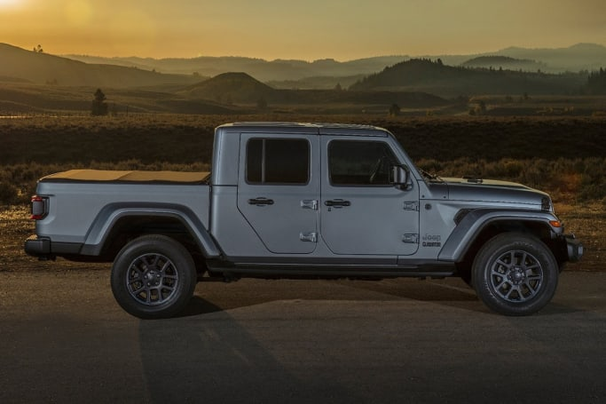 Jeep Gladiator 2020 review | CarsGuide