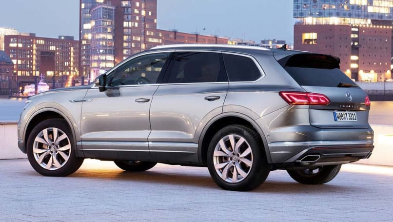 new volkswagen touareg 2020 detailed limited run v8 variant confirmed to take on volvo xc90 car news carsguide new volkswagen touareg 2020 detailed