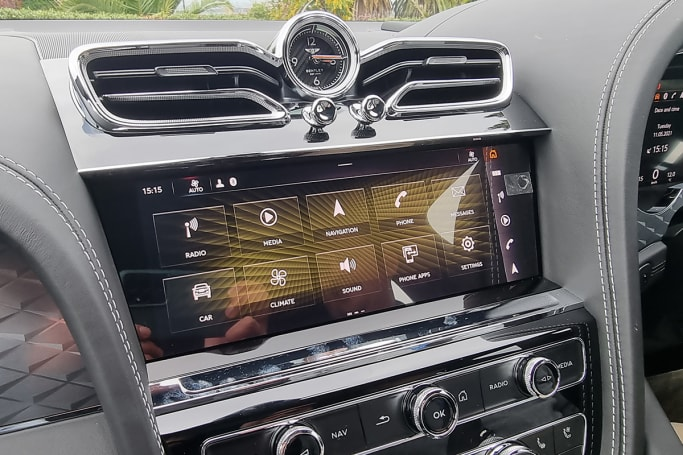 Handling multimedia duties is a massive 10.9-inch touchscreen, which sports sat-nav, wireless Apple CarPlay and wired Android Auto.