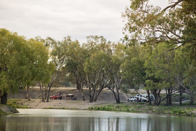 Free camp on the banks of the Darling River at Mays Bend in Bourke.