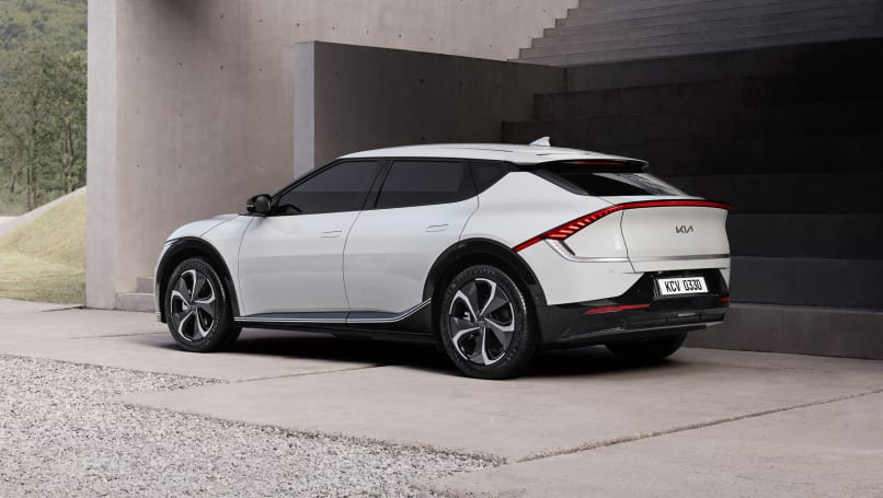 2021 kia ev6 revealed: new radical-looking electric suv