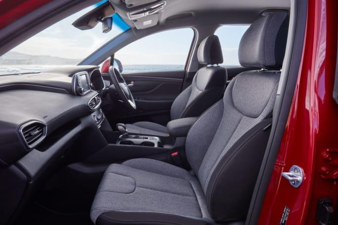 Hyundai Santa Fe 2019 review | CarsGuide