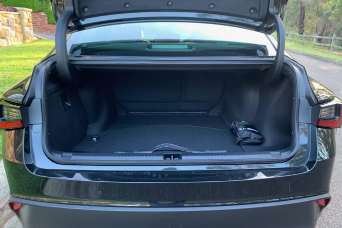 Lexus IS 300h Boot space
