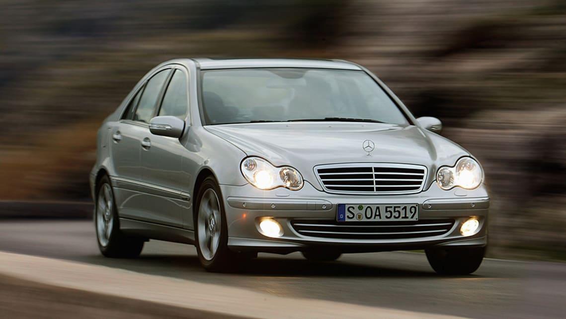 Rear Brake Pads For Mercedes-Benz C-Class C 180 Kompressor C 200 Kompressor