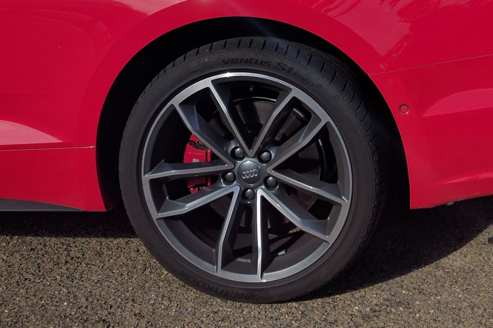 The S5 gets 19-inch alloy wheels. (image credit: Dan Pugh)