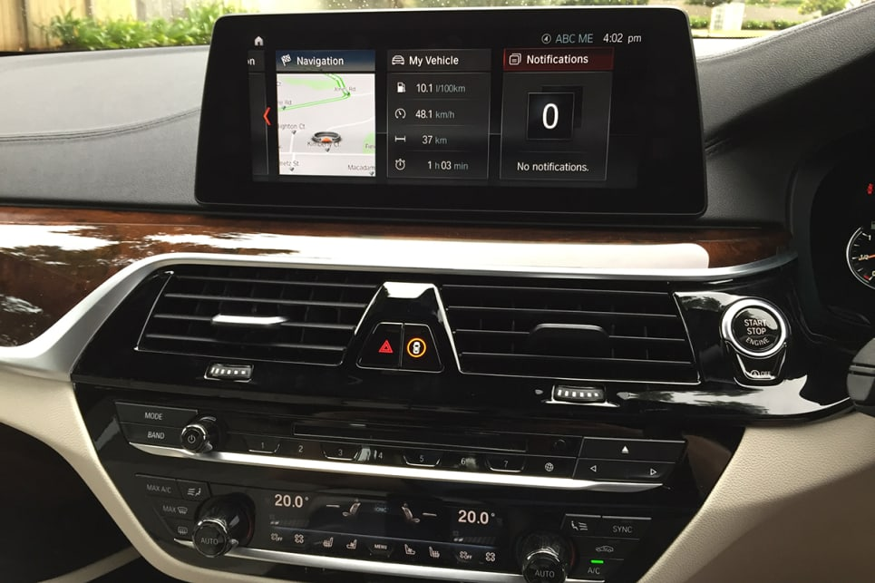 BMW's iDrive multimedia system continues to be a nifty unit. (Image credit: Vani Naidoo)
