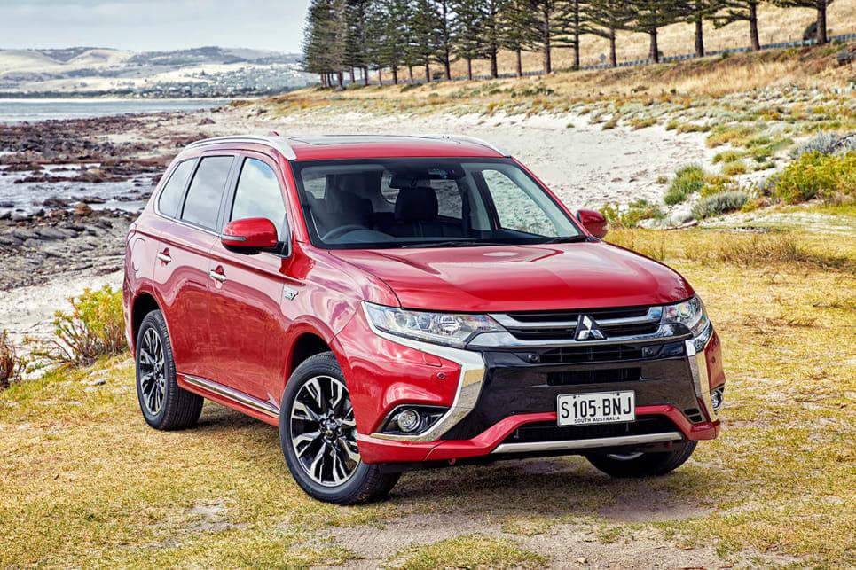 Mitsubishi Outlander PHEV Exceed 2017 review: snapshot