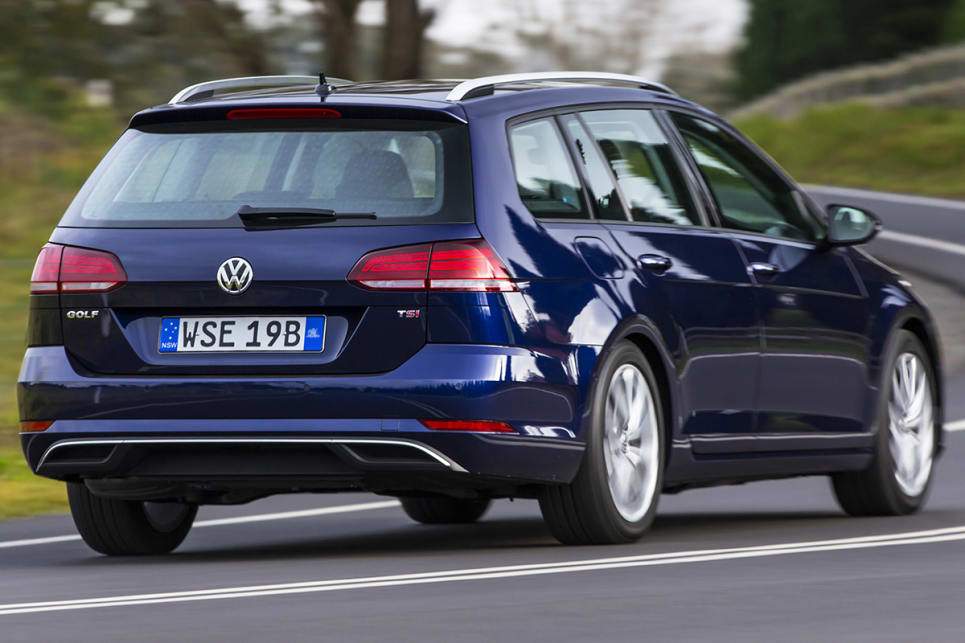 At the back, the bumper has been refreshed. (Volkswagen Golf 110TSI Comfortline wagon shown)