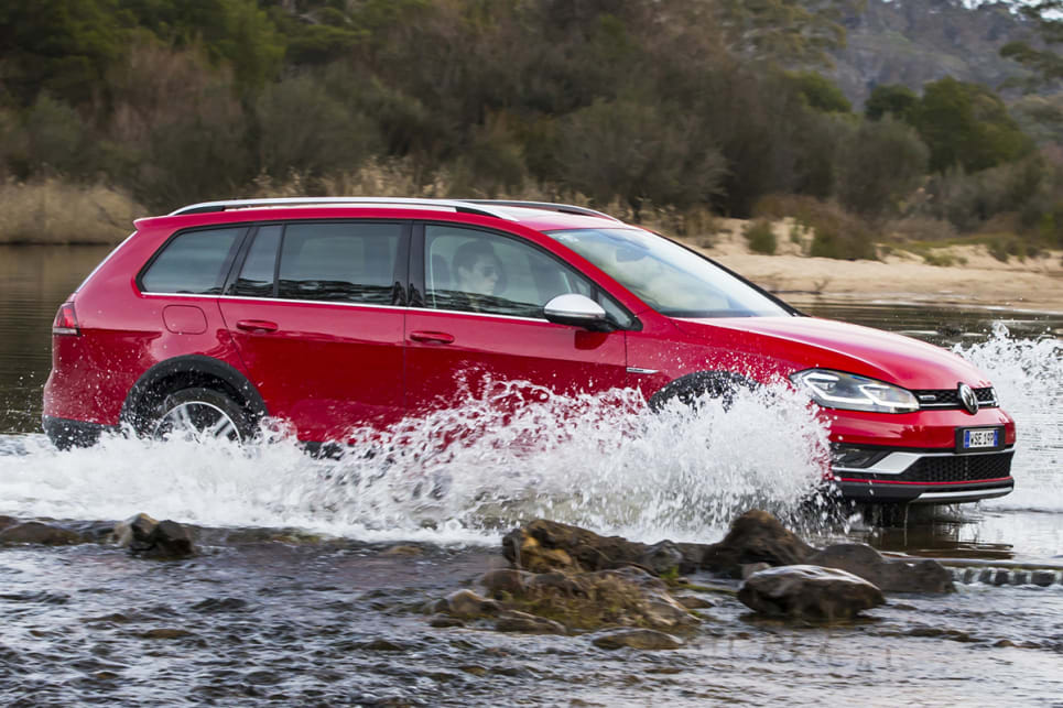 the Golf Alltrack sends drive to all four wheels via Volkswagen's '4Motion' permanent all-wheel-drive system. (Volkswagen Golf Alltrack shown)