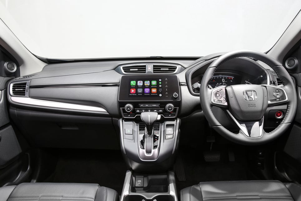 Standard interior features include a leather seats, panoramic sunroof, heated front seats, 7.0-inch touchscreen with Apple CarPlay and Android Auto, sat nav, Bluetooth connectivity, an eight-speaker sound system, dual-zone climate control, push-button ignition and proximity unlocking. (VTi-L model shown)