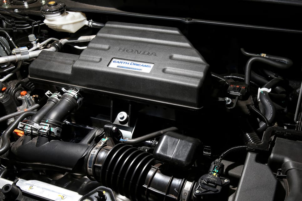 All CR-Vs share the same i140kW/240Nm 1.5-litre turbo-petrol four-cylinder. (VTi-S model shown)