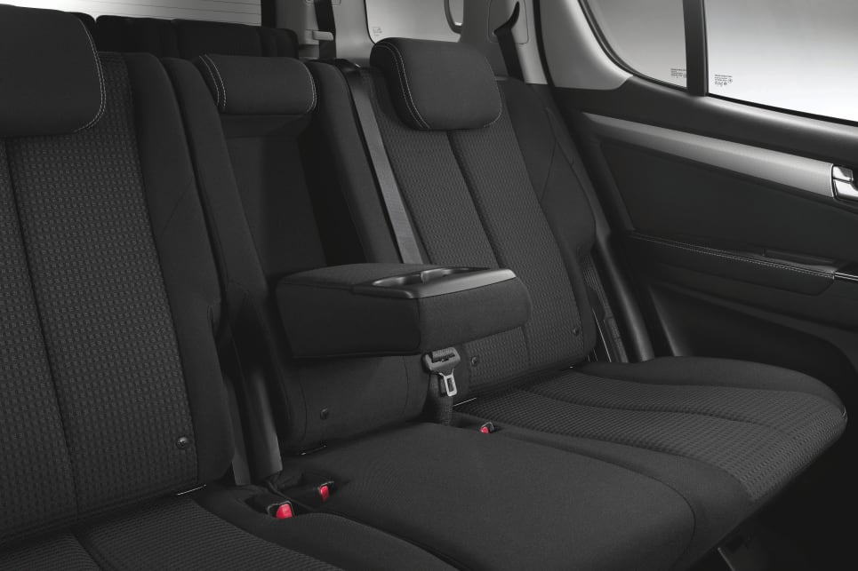The LS-U comes with cloth trim seats.