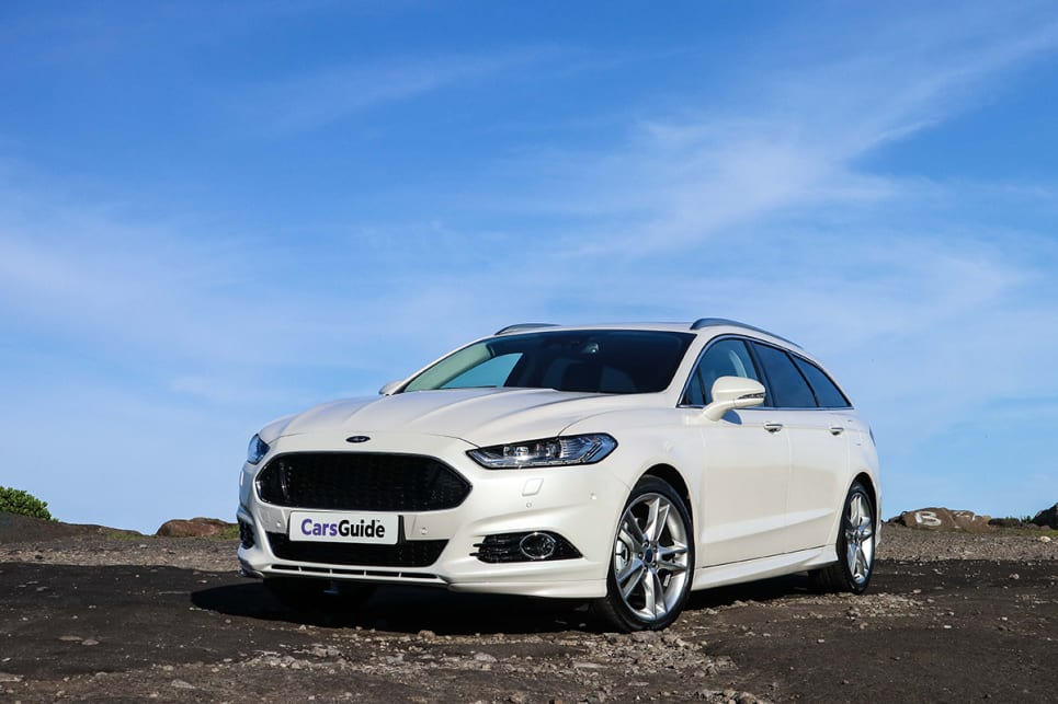 The angular nose and the sedate sweep over the roof really gives the Mondeo presence. (image credit: Tim Robson)