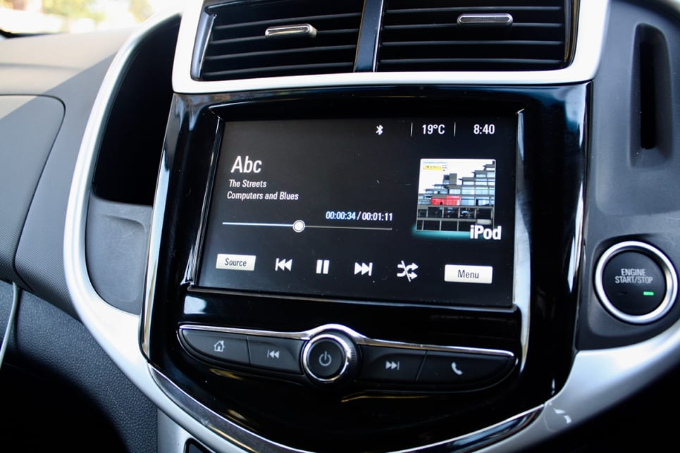 The LS has a 7.0-inch colour touchscreen with Apple CarPlay and Android Auto (supposedly!), plus a reversing camera.