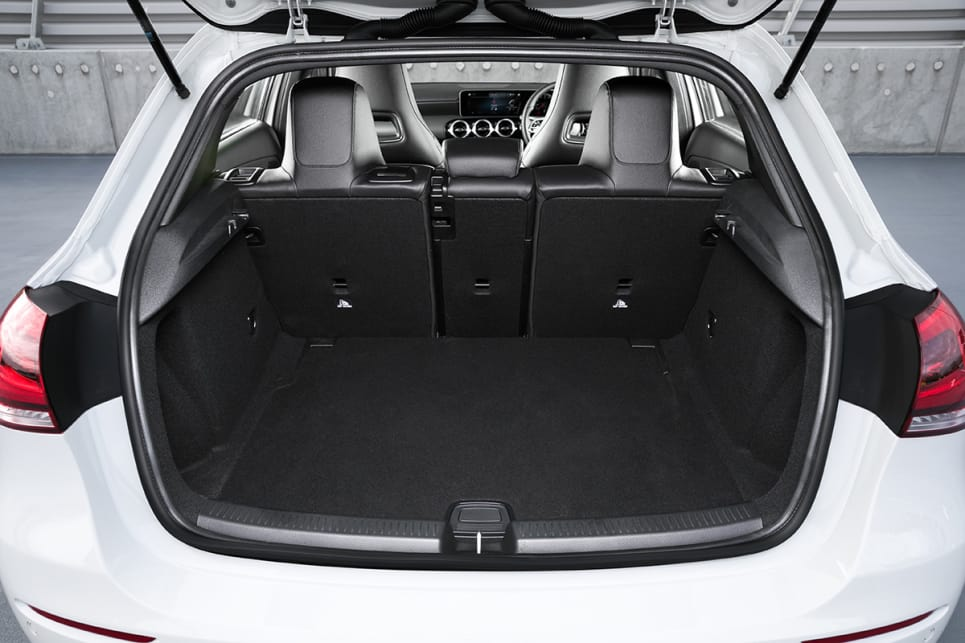 The boot space in this prestige hatch is now 370 litres.