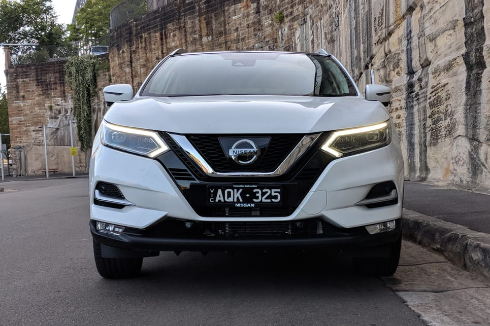 The most noticeable changes are up front, with the addition of Nissan's 'V Motion' grille and sharper LED headlights with boomerang-shaped daytime running lights.