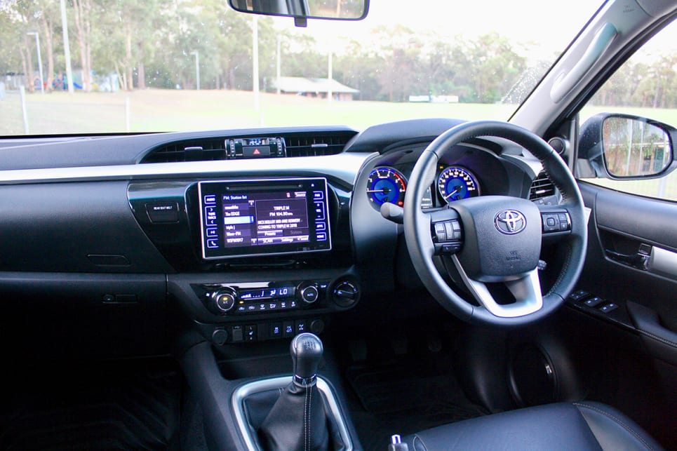 There is no Apple CarPlay or Android Auto smartphone mirroring technology of the HiLux. (2018 Toyota HiLux SR5 model shown)