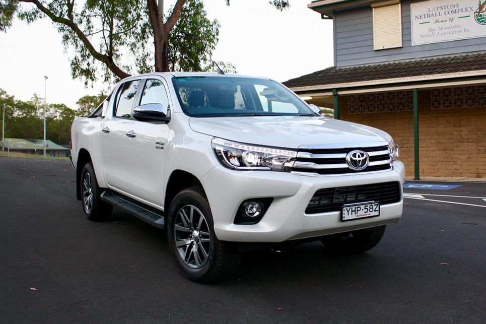 Toyota HiLux SR5 2018 review: snapshot | CarsGuide