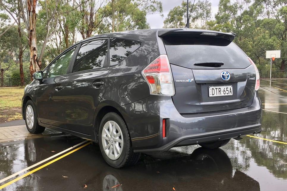 2018 Toyota Prius V >> Toyota Prius V 2018 Review Carsguide
