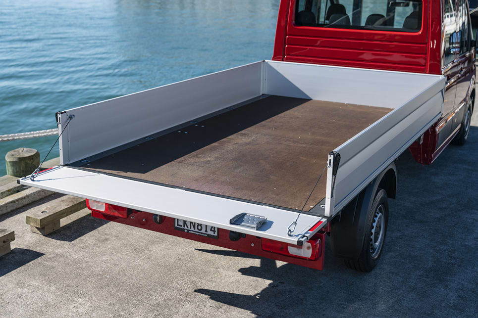 The van can be ordered with a regular or high roof, as well as with a so-called 'super high roof' version.