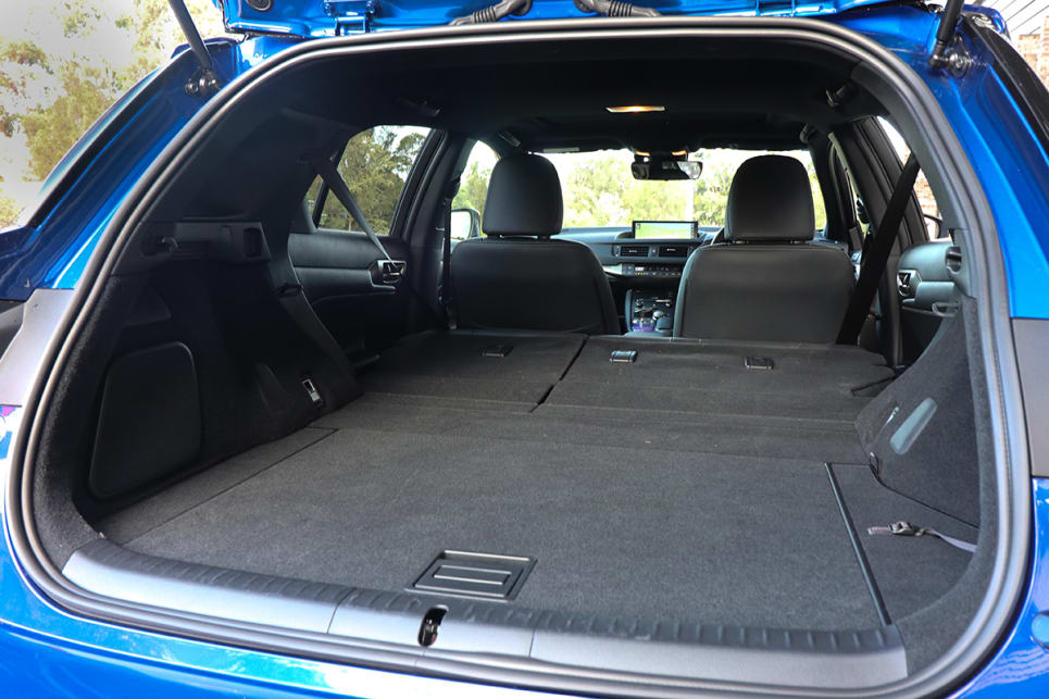 With the seats down, there is 985 litres of boot space. (image credit: Tim Robson)