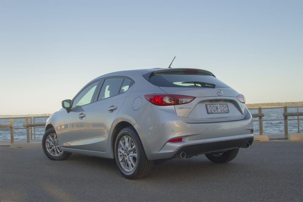 Mazda 3 Sport >> Mazda 3 Maxx Sport 2018 Review Snapshot Carsguide