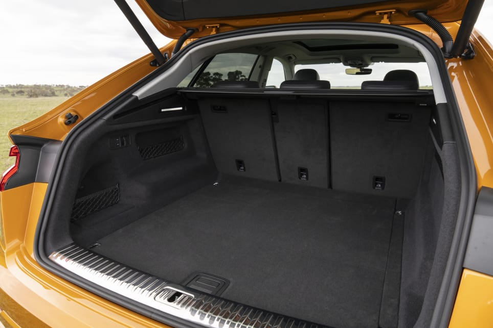 The Q8's boot can fluctuate between a minimum of 606L of space to a 1755L maximum.