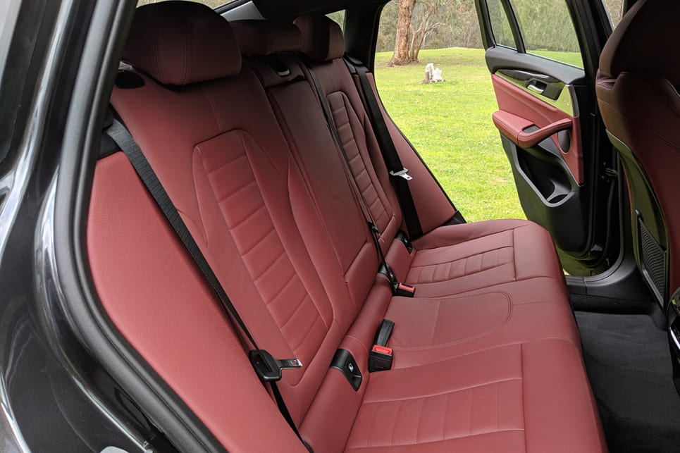 There is the option to fold down the 40/20/40 split rear seats, allowing a decent 1430 litres of space.