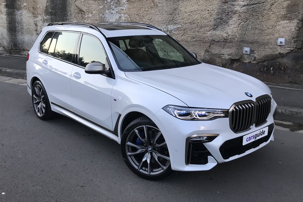 There's a lot of smart within the BMW X7's size.