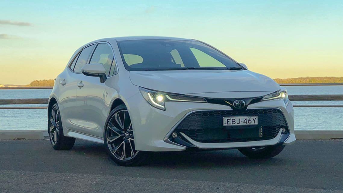 toyota corolla 2019 review  zr hatch