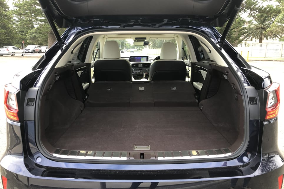 You start with 453 litres, which rises to 924 litres with the split-fold seats down.