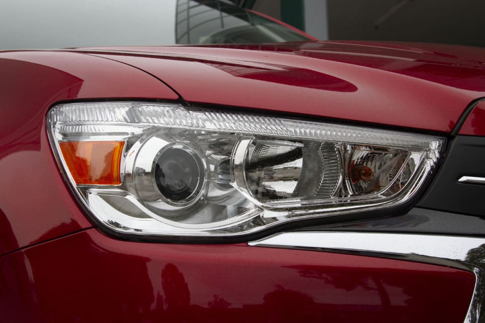Halogen headlights are another standard for the ASX.