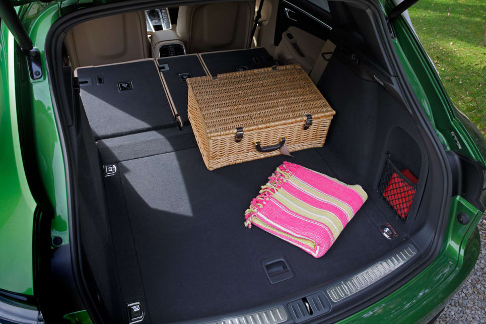 The boot space is unchanged with a pretty decent 500 litre luggage capacity.
