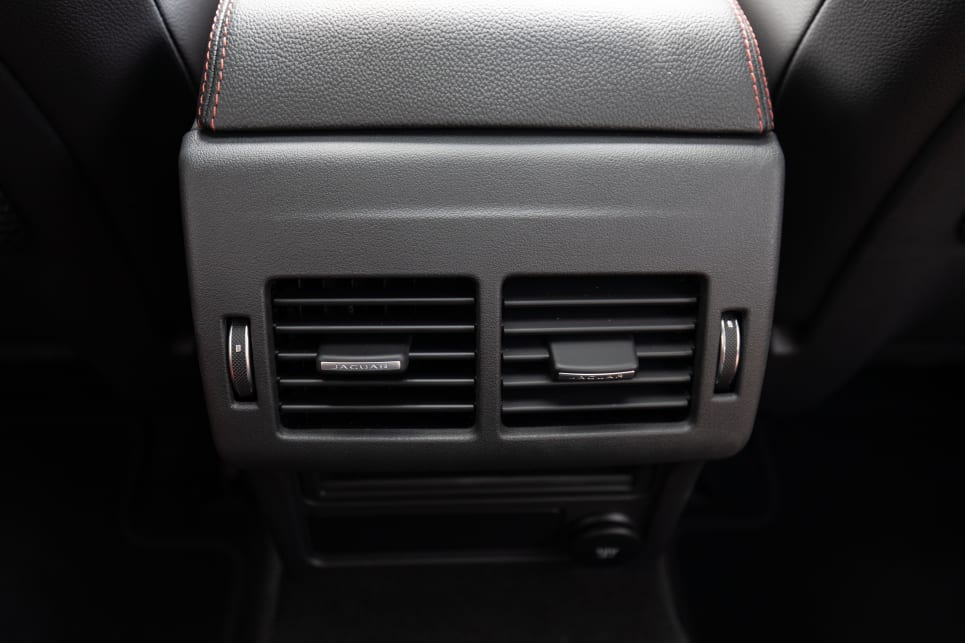There are air vents in the second row, but no separate climate control.