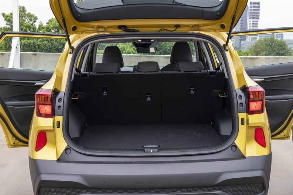 The Seltos's boot has a cargo capacity of 433 litres.