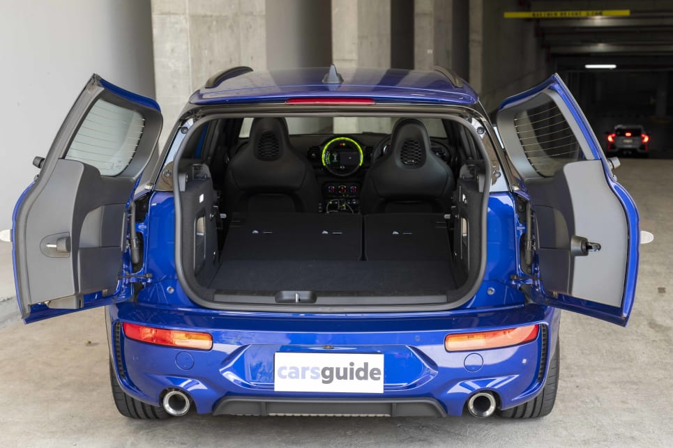 Folding the 60/40 rear seats increases that capacity to 1250 litres.