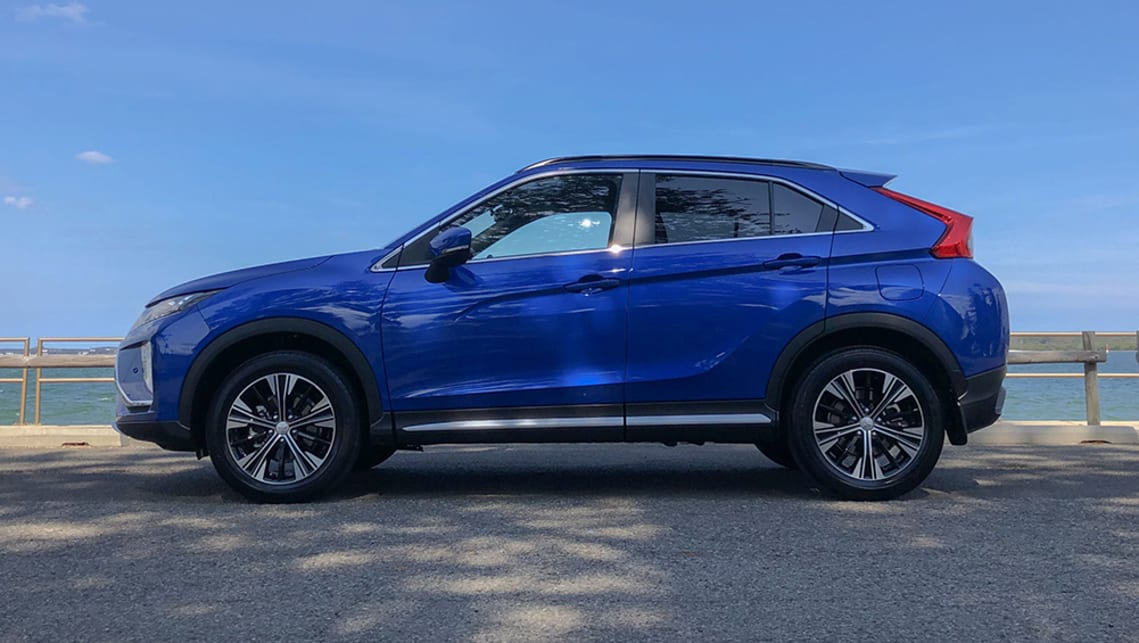 2020 Mitsubishi Eclipse Cross Exceed 4WD | hero gallery