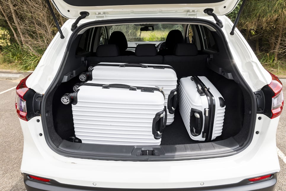 Nissan Qashqai with luggage.