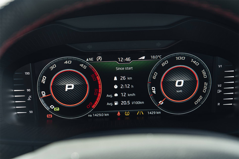 The instrument cluster behind the steering wheel is fully digital.