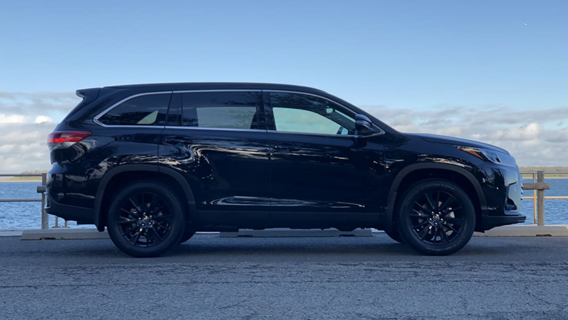 Blacked-out body parts and wheels add a little bit of stealth bomber to the Kluger. (image: Peter Anderson)