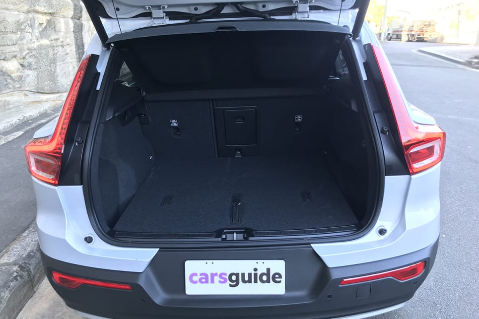 The boot offers up 460 litres of cargo space with the rear seats upright.