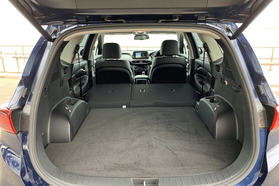 With all the seats folded flat boot space grows to 1625 litres.