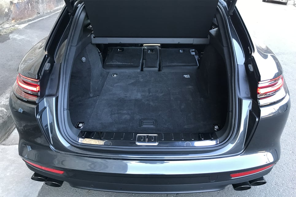Leaving the rear seats in place, the boot space is rated at 520 litres (VDA).