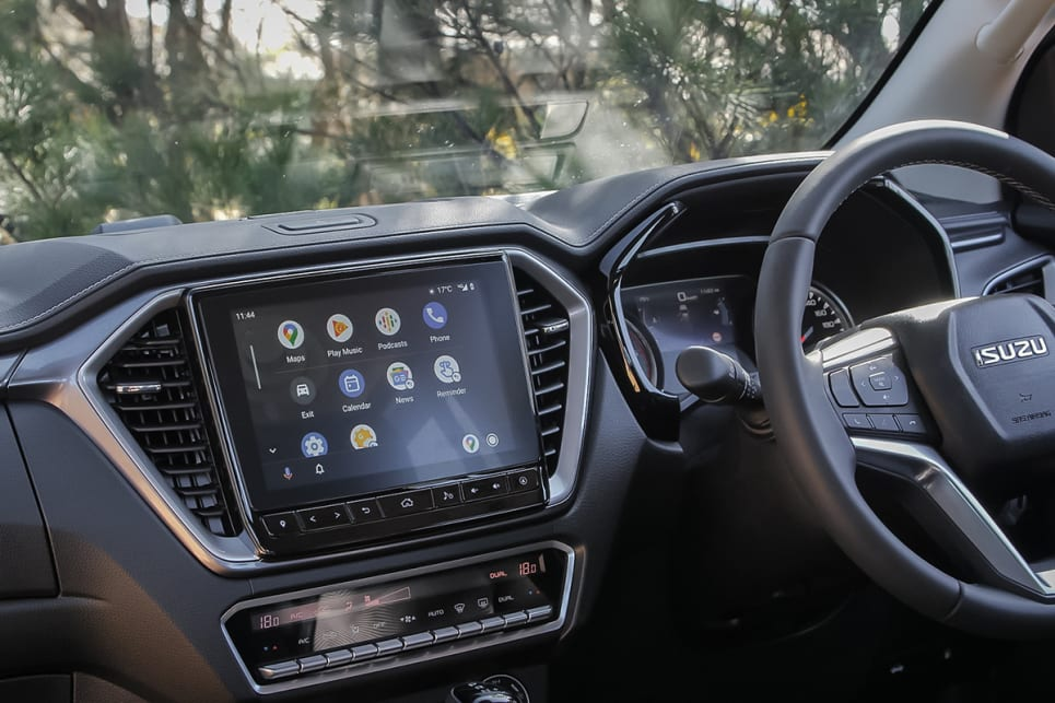 The new large 9.0-inch media unit, with Apple CarPlay (wireless) and Android Auto (via USB), as well as sat nav, and switchable digital dash readout, add to the overall well-equipped feel of the LS-U.